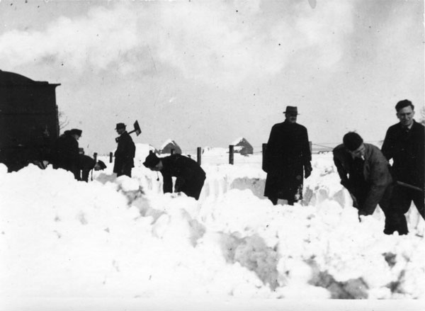 Digging out the train near Watton Station 1947